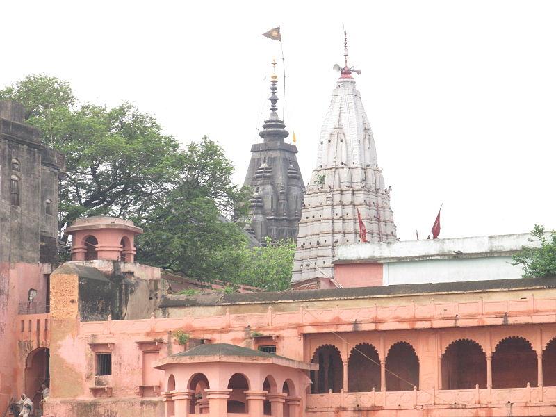 File:Vishnupad Temple- Rear side.JPG