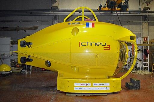 Vista de perfil del submarí Ictineu 3