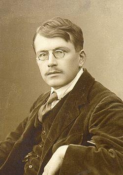 Vladimir Levstik 1910s.jpg