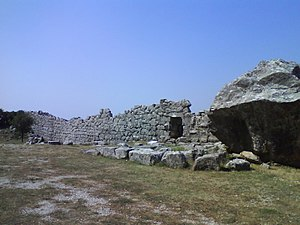 Elaea (Epirus) - Image: Walls of Elea 2