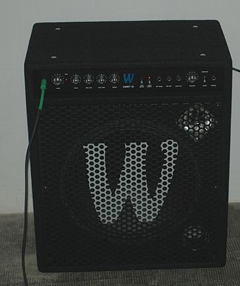 "A 150-watt ""combo"" bass amp with a horn-loaded tweeter (in the top right of the speaker cabinet). Warwick Sweet 15.jpg"