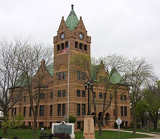 Waseca County Courthouse - The courthouse from the southeast