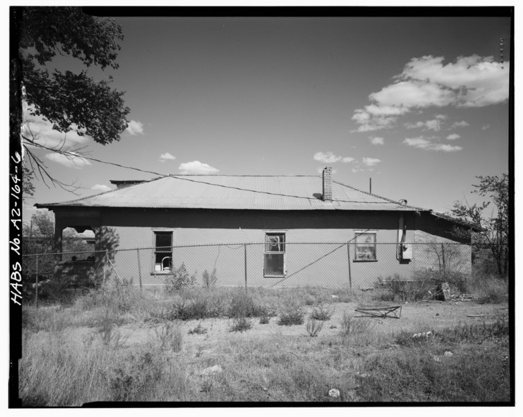 File:West side. - Armijo House, 301 Montano Street, Holbrook, Navajo County, AZ HABS ARIZ,9-HOLB,2-6.tif