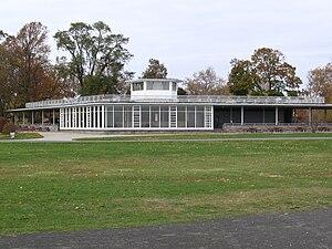 Sherwood Island State Park - Image: Westport CT Sherwood Is Park Pavilion Fr South 11172007