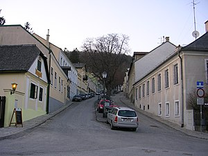Salmannsdorf - Dreimarksteingasse (street), in the centre of Salmannsdorf.