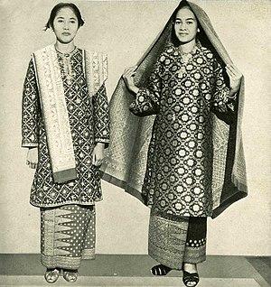 Baju Kurung - A Palembangese styled Baju Kurung.