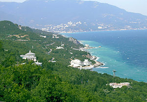 Yalta view from Tsar's Path.jpg