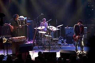 Yo La Tengo American rock group