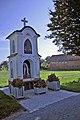Znamenje - kapelica v Melincih.jpg