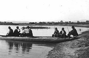 Čoln na Cerkniškem jezeru.jpg