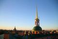 Башня со шпилем и крестом (михайловский ззамок).png