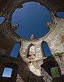 Всередині каплиці новомалинського замку.jpg