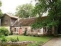 Дом возле усадьбы (le bâtiment près du manoir) - Bontrager - Panoramio.jpg