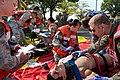 """צוותי רפואת חירום מחיל האוויר של ארה""""ב בתרגיל המדמה טיפול בנפגעי רעידת אדמה.jpg"""