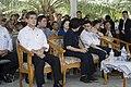 นายกรัฐมนตรีตรวจเยี่ยมสถานการณ์อุทกภัยและมอบถุงยังชีพใ - Flickr - Abhisit Vejjajiva (8).jpg