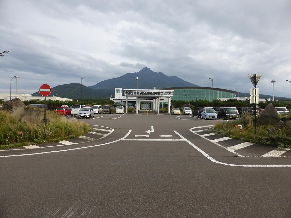 利尻空港と利尻山