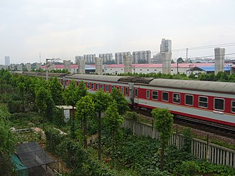Xuanwu District, Nanjing - Image: 繁忙的京沪铁路 panoramio