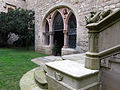 068 Castell de Santa Florentina (Canet de Mar), pati, entrada a la cripta de la capella.JPG