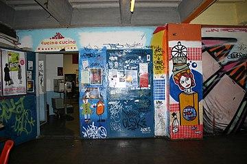 1054 - Milano - Centro Sociale Leoncavallo - Foto Giovanni Dall'Orto 11-5-2007.jpg