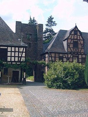 Langenau Castle - Image: 13 Burg Langenau Innenseite der Toranlage