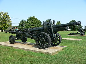 152 mm howitzer-gun M1937 (ML-20) - ML-20 in traveling position, displayed at the US Army Ordnance Museum; note spoked wheels.