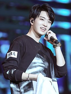 160508 FLY IN SHANGHAI Choi Youngjae 01.jpg