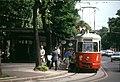 193R10150590 Ring, Haltestelle Bellaria, Blick Richtung Oper, Strassenbahn Linie D, Typ C1 102.jpg