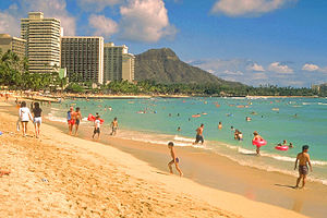 English: Waikiki Beach, Honolulu, Hawaii. Fran...