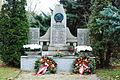 2010-11-20 0018 Achau Kriegerdenkmal.JPG
