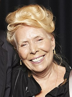 2013 Joni Mitchell (cropped).jpg