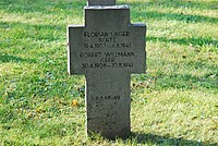 2017-09-28 GuentherZ Wien11 Zentralfriedhof Gruppe97 Soldatenfriedhof Wien (Zweiter Weltkrieg) (058).jpg