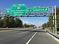 2017-10-06 11 11 36 View west along Interstate 195 (Central Jersey Expressway) at Exit 6 (New Jersey Turnpike, New York, Delaware Memorial Bridge) in Robbinsville Township, Mercer County, New Jersey.jpg