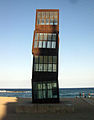 23 L'estel ferit, de Rebecca Horn, platja de la Barceloneta.jpg