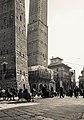 2 torri di Bologna.jpg