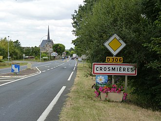 Crosmières - The entrance to the village on road 306