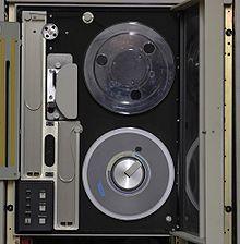 9 track tape - Wikipedia