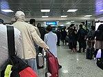 Aéroport international de Tunis-Carthage - mars 2018 - fil d'attente.jpg