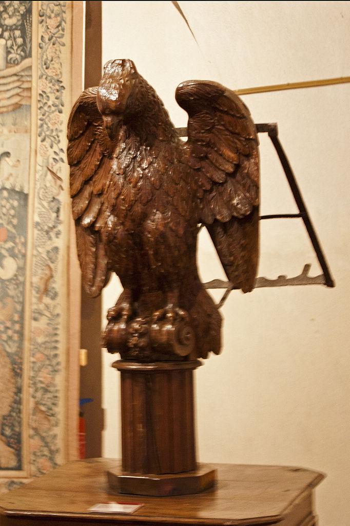File abbaye saint robert de la chaise dieu aigle de saint for Atelier st jean chaise bercante