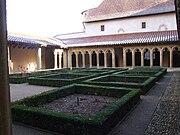 Abbaye de Charlieu - Cloître