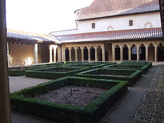 Charlieu Abbey - The Gothic cloister at Charlieu