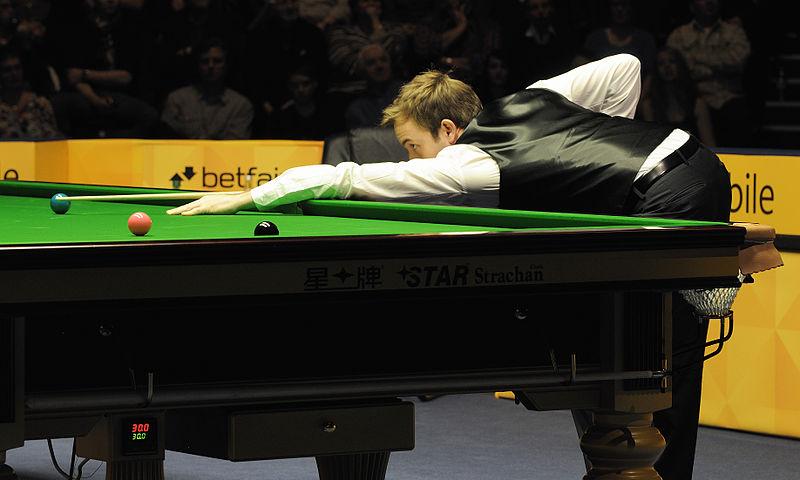 File:Ali Carter at Snooker German Masters (DerHexer) 2013-02-02 15.jpg