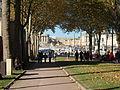 Allée devant Versailles.JPG