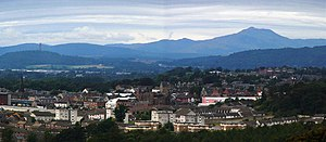 Alloa - Image: Alloa from Clackmannan Tower