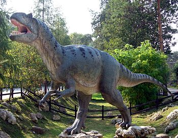 Model of allosaurus in Bałtow, Poland