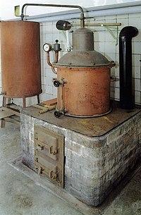 Alte Destillationsanlage.JPG