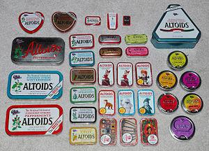 Tin box - Image: Altoidstins 1