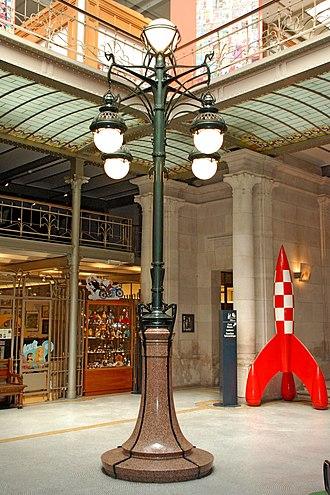 Art Nouveau in Brussels - Image: Anciens magasins Waucquez 04