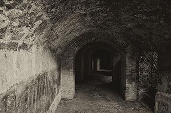Anfiteatro di Pompei (particolare dell'ingresso).jpg