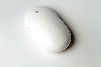 Apple Mighty Mouse - Image: Apple Mighty Mouse Wireless in perspective