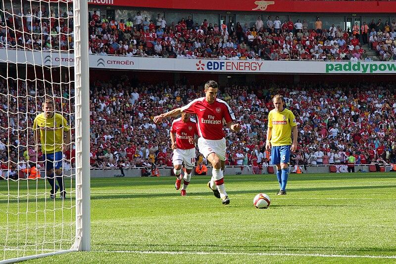 File:Arsenal v Stoke City FC - Robin Van Persie penalty.jpg